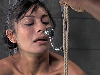 AnyPorn Porno - Huge Vibrators And Tight Ropes Are The Only Things She De Any Porn