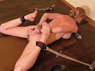 PornHub Porno - Spread Handcuffed