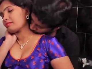XHamster Porno - Satin Silk Saree Aunty Free Indian Porn Video 8f Xhamster
