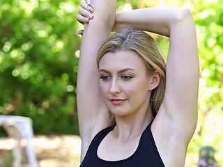 XHamster Porno - Karups Alexa Grace Fucking Her Boyfriends Roommate